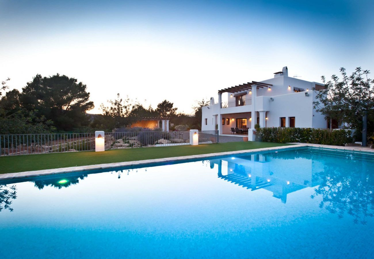 Luxury villa Numy in Ibiza, with its swimming pool